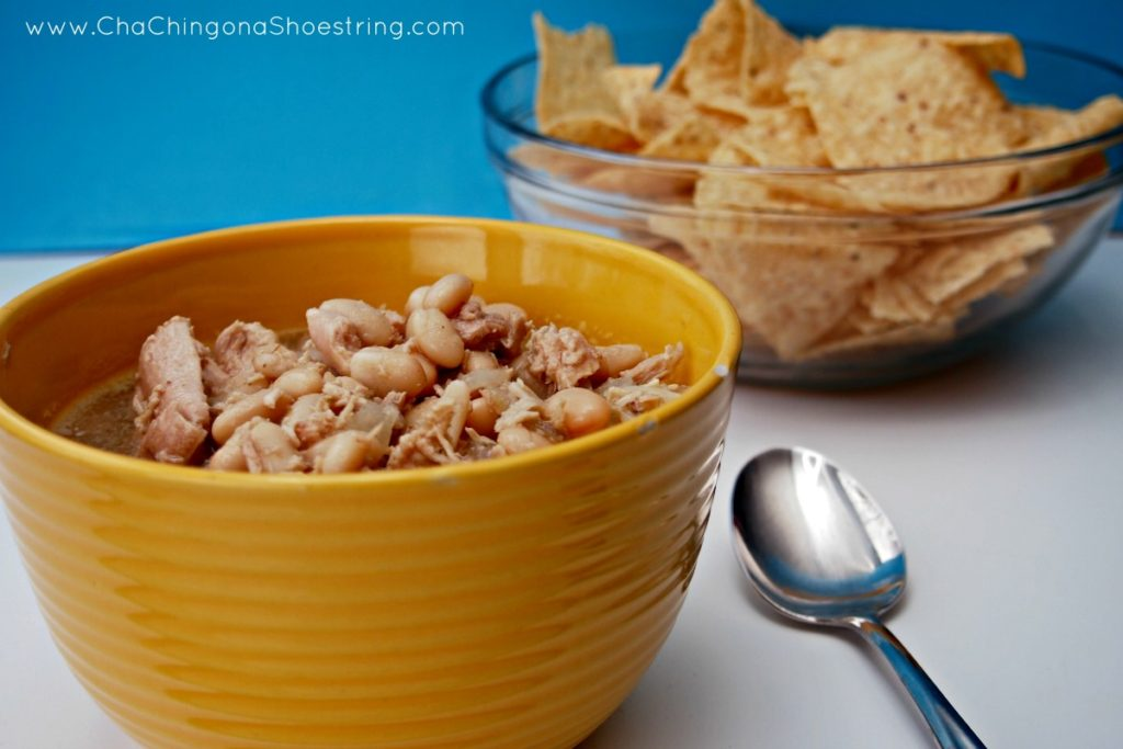 Easy and Delicious Southwestern White Chicken Chili Recipe
